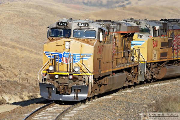 """Blue Wings"" [Union Pacific AC45CTE & SD70ACe in The Tehahapi Mountains, California]"