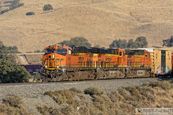 """With A Little Help From My Friends"" [GE ES44C4 & C44-9W Locomotives near Caliente, California]"